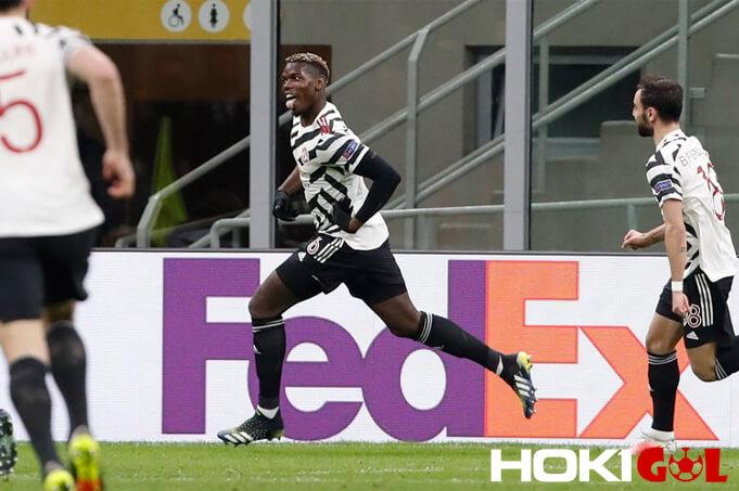 Ke Juventus, Raiola Dirumorkan Bahas Transfer Paul Pogba