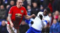 Jelang MU vs West Ham United, Phil Jones Bisa Tampil